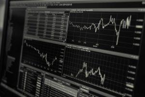 Trader avec les options binaires : est-ce vraiment rentable ?