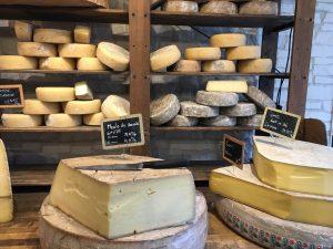 Les choix de fromage pour une soirée de raclette réussie
