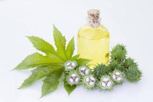 L'huile de ricin pour les cheveux, les ongles, les cils et la barbe